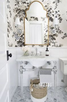best wallpaper options for your bathroom renovation