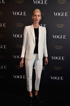 Aymeline Valade en costume Pallas vogue paris soirée 95 ans http://www.vogue.fr/mode/inspirations/diaporama/la-soire-des-95-ans-de-vogue-paris/22911#aymeline-valade-en-costume-pallas
