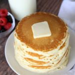 How to make PERFECT Fluffy Pancakes {super easy recipe!} - It's Always Autumn - How to make PERFECT Fluffy Pancakes {super easy recipe!} – It's Always Autumn - Freeze Pancakes, Homemade Pancakes, Pancakes Easy, Fluffy Pancakes, Homemade Food, Pancakes From Scratch, Food Print, Easy Meals, Yummy Food