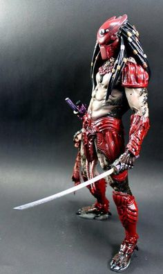 Red Yautja: Just when things cant get any Cooler.. A predator with a KATANA! Totally Awesome