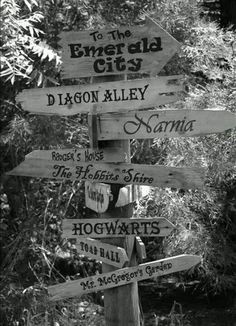 Road sign (Magical World) <3