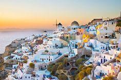 23 cidades europeias onde se pode gastar menos de 50 dólares ao dia - Santorini é uma delas!