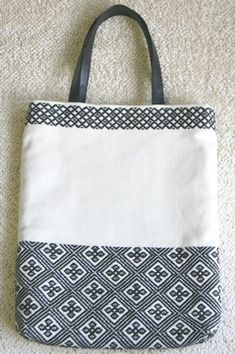 The Beauty of Japanese Embroidery - Embroidery Patterns Sashiko Embroidery, Learn Embroidery, Japanese Embroidery, Embroidery Stitches, Embroidery Patterns, Cross Stitch Patterns, Embroidery Books, Japanese Patterns, Cute Bags
