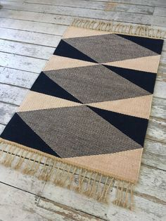 Plain weave rug, using a 'meet and separate' technique, in indigo-dyed berber wool and natural, undyed wool on a linen warp. fringe) x wide Dark Carpet, Shag Carpet, Green Carpet, Carpet Colors, Modern Carpet, Rugs On Carpet, White Carpet, Purple Carpet, Red Carpets