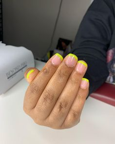 Neon Acrylic Nails, Acrylic Toes, Short Square Acrylic Nails, Acrylic Colors, Acrylic Nail Designs, Acrylics, Nail Shapes Square, Nail Bling, Cute Short Nails