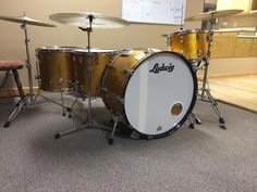 This is a ludwig classic maple in Gold Sparkle. This is a beautiful kit with huge sound. The sizes of this kit are bonham sizes 16x26,10x14,16x16,16x18. This kit was made in 2010 and has all keystone badges on every drum. kit is in mint condition. I will be including Humes and berg soft cases with every drum. Remo heads on every drum, barely used.
