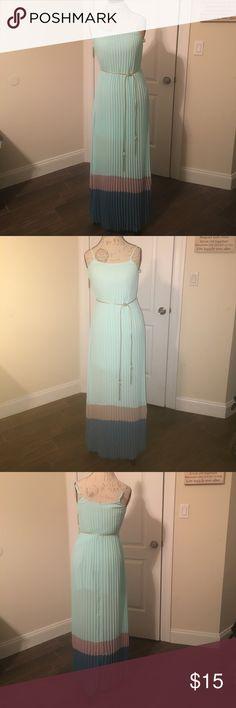NWOT! Beautiful maxi dress ! Beautiful, flowy maxi dress, adjustable straps, gold belt detail. Beautiful colors! Dresses Maxi