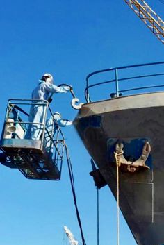 AEB provides comprehensive blast grit boat cleaning services on boats and ships across Adelaide.