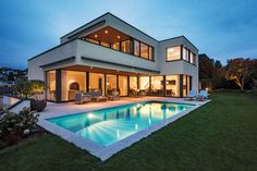 Neubau mit Pool – Das Einfamilienhaus Home And Living, Mansions, House Styles, Design, Inspiration, Home Decor, Detached House, Building Companies, Vacation Travel