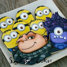 Despicable me! Minion cookies for Noah's B-day. Cookies For Kids, Sweet Cookies, Iced Cookies, Cute Cookies, Cupcake Cookies, Cupcakes, Sugar Cookies, Sugar Cookie Frosting, Royal Icing Cookies