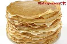 Pannenkoeken (dutch pancakes) ~ much like crepes Crepes, Dutch Pancakes, Pancakes And Waffles, Typical Dutch Food, Crepe Suzette, Netherlands Food, Cube Recipe, Macedonian Food, Breakfast Recipes