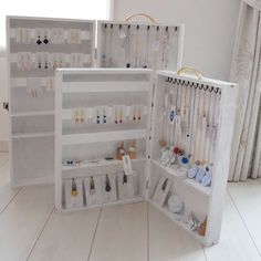 Ideas Jewerly Display Props How To Make Craft Fair Displays, Market Displays, Display Ideas, Display Stands, Display Shelves, Necklace Display, Earring Display, Jewelry Booth, Jewelry Rings
