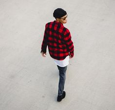 Blogger She's a Gent nails the perfect style for fall - layers: plaid over shirt, white T, beanie, denim, and loafers.