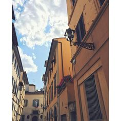 Streets of Santa Croce, Florence // @allafiorentina