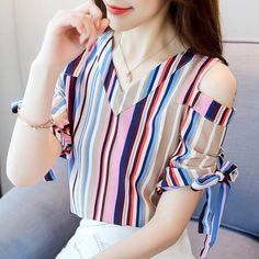Blouses for women – Lady Dress Designs Work Fashion, Fashion Advice, Runway Fashion, Womens Fashion, Travel Outfit Summer, Casual Summer Outfits, Outfits Mujer, Moda Chic, Budget Fashion