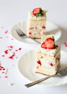 Japanese Strawberry Shortcake by aspoonfulofsugar #Shortcake #Strawberry