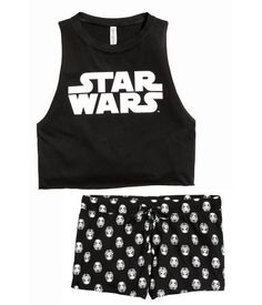 Black/Star Wars. Pajama set in soft cotton jersey. Short tank top with printed motif at front and raw edges at armholes and hem. Short shorts with a printed