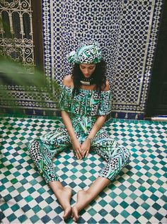 Pattern tiles and outfit