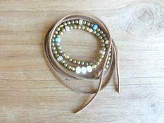 bracelet multi-tours bohème (en laiton)lien en daimmarronrecouvert…