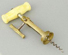 Interessanter Korkenzieher um 1920 Beingriff mit Pinsel, H.20cm, im gut. funktionsf. Zust., — Varia