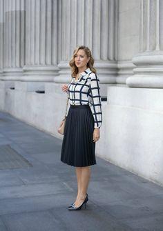 21b53ab188 Wwwmorandumwp Contentuploads201604navy Midi Skirt Skirt Outfits, Navy Pleated  Skirt, Plaid Shirt Outfits, Pleated