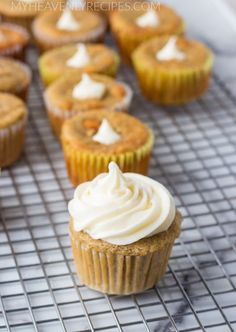 Make some delicious banana cream cupcakes filled with cream cheese icing! Banana Cream Cupcakes with Cream Cheese filling and Icing Ingredients for Cupcake large eggs stick c. Banana Cream Cupcakes, Cream Cheese Filled Cupcakes, Banana Cream Cheesecake, Banana Chocolate Chip Muffins, Cream Cheese Filling, Cheesecake Bars, Chocolate Cake, Cupcake Filling Recipes, Ingredients For Cupcakes