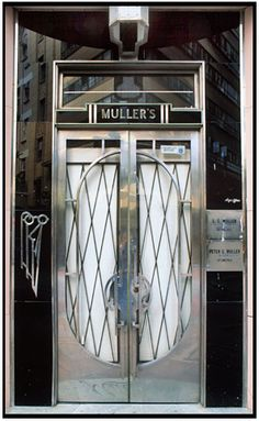 Art Deco Metalwork Door in New York - 1925 - cnr 34th Street and Lexington Ave