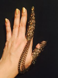 Chained armor rings, Slave thumb rings,claw rings, armor claws, shield rings, full finger rings, made in brass, sizable. by pickapicka on Etsy https://www.etsy.com/listing/496181532/chained-armor-rings-slave-thumb