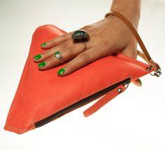 Triangular suede red clutch. Handmade.  Materials:   •leather •zip closure •metal accessories    >>> HANDMADE IN ITALY <<<  https://www.etsy.com/shop/SAKINAaccDESIGN?ref=si_shop