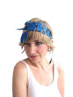 Glittery lobster headband. A magical piece of headgear suitable for the sassiest siren on your Christmas list. #JoesCrabShack #JoesMaineEvent