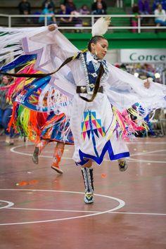 Pow Wow Time-Out University of North Dakota Indian Association - Grand Forks, ND Native American Dress, Native American Children, Native American Pictures, Native American Regalia, Native American Artists, American Indian Art, Native American History, Fancy Shawl Regalia, Powwow Regalia