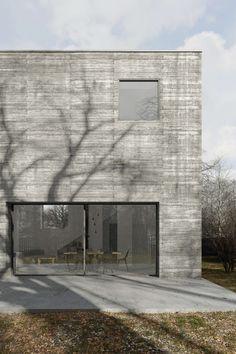 Concrete Cube House by TEŻ Architekci Kozieglowy Poland 2016 Concrete Architecture, Modern Architecture Design, Minimalist Architecture, Interior Architecture, Futuristic Architecture, Concrete Houses, Concrete Building, Beton Design, Concrete Design