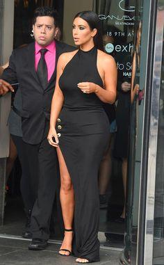 We're obsessed with Kim Kardashian's sexy black dress!
