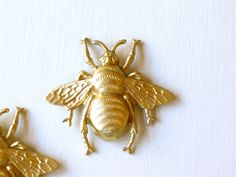 bee charm - to turn into a cute bobby pin