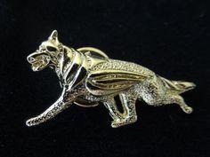 German-Shepherd-Dog-Brooch-or-Pin-Fashion-Jewellery-Gold-Plated-Stud-Back