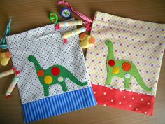 Dino Party, gift bag tutorials designed for Sew Mama Sew by Rachel Measham-Pywell from www.fourwisemonkeys.blogspot.com