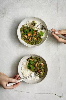 Nämä vegaaniset ruoat ovat helppotekoisia arjen pelastajia ja onnistuvat aina - Ruoka   HS.fi Good Food, Yummy Food, Garam Masala, Palak Paneer, Tofu, Pesto, Smoothie, Veggies, Vegetarian
