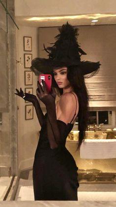 Kylie Jenner, Kendall Jenner Halloween, Pumpkin Halloween Costume, Halloween Costumes For Teens, Halloween Party, Halloween 2020, Couples Halloween Outfits, Halloween Halloween, Halloween Ideas
