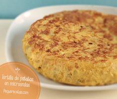 La tortilla de patatas es un plato muy completo desde el punto de vista nutricional porque combina hidratos de carbono de la patata y proteína de los huevos. El problema es que puede resultar muy