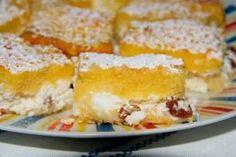 Mazsolás lustarétes - ÍZŐRZŐK Cornbread, Dairy, Sweets, Cheese, Ethnic Recipes, Food, Millet Bread, Good Stocking Stuffers, Candy