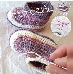 Tutorial uncinetto scarpine istruzioni babbucce pantofole neonato.  Margherita Piazza · Bambini · TROVATE qua e ... 47a677bcdada