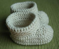 Virkatut tossut vauvalle Crochet Shoes, Knit Crochet, Crochet For Kids, Baby Shoes, Projects To Try, Beanie, Diy Crafts, Knitting, Clothes