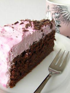 Veikeä Verso: Vegaaninen punajuuri-suklaakakku