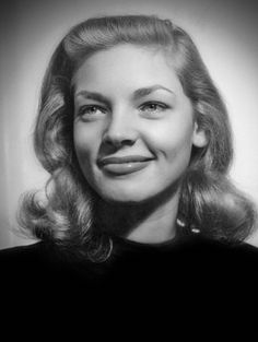 Lauren Bacall at Gotham Hotel, 1945 by Nina Leen - The mouth is so over drawn! Golden Age Of Hollywood, Vintage Hollywood, Hollywood Stars, Classic Hollywood, Lauren Bacall, Bogie And Bacall, Humphrey Bogart, Life Pictures, Her Smile