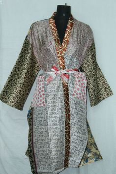Woman's Jacket Patchwork Dress Vintage Bathrobe Indian Silk Sari Kimono Sk-1046 #Handmade #Kimono #AnyOccasionCasual