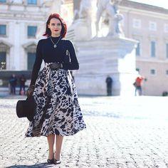 Winter Style, Autumn Winter Fashion, Black Turtleneck, Midi Skirts, Turtle Neck, Street Style, My Style, Fall, Womens Fashion