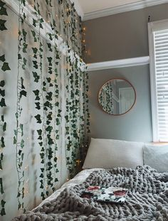 17 Dorm Room Decor Ideas For Your Freshman Dorm Room Dorm room decor ideas for your freshman dorm room. These ideas are a must for freshman year! Make your dorm room super cute. - 17 Dorm Room Decor Ideas For Your Freshman Dorm Room - Cassidy Lucille Cute Bedroom Ideas, Cute Room Decor, Room Ideas Bedroom, Teen Room Decor, Bedroom Inspo, Design Bedroom, Bedroom Ideas For Small Rooms, Teen Bedroom Colors, Modern Teen Bedrooms