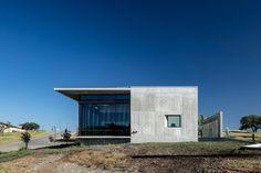 Westlake Dermatology / Matt Fajkus Architecture Photos © Charles Davis Smith