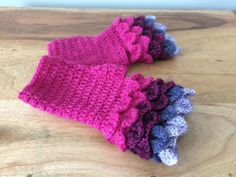 Fuchsia Fingerless Mitts - Fuchsia Dragon Scale Mitts - Pink...