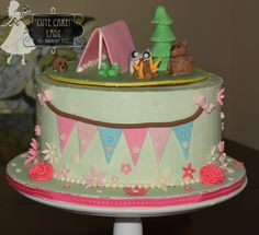 Mint Green Glamping cake. This translates to a glamorous camping cake perfect for a little girl